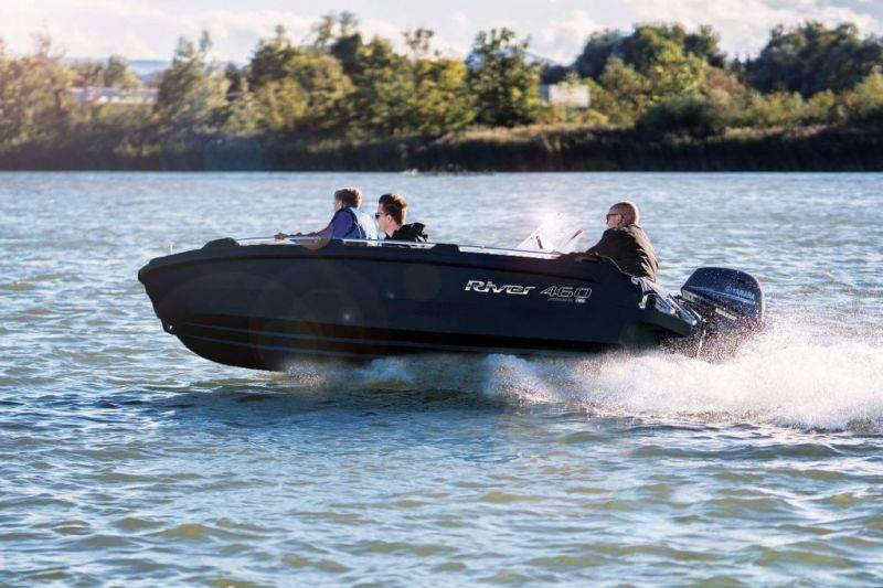 De Goede Watersport dealer van River Boats!